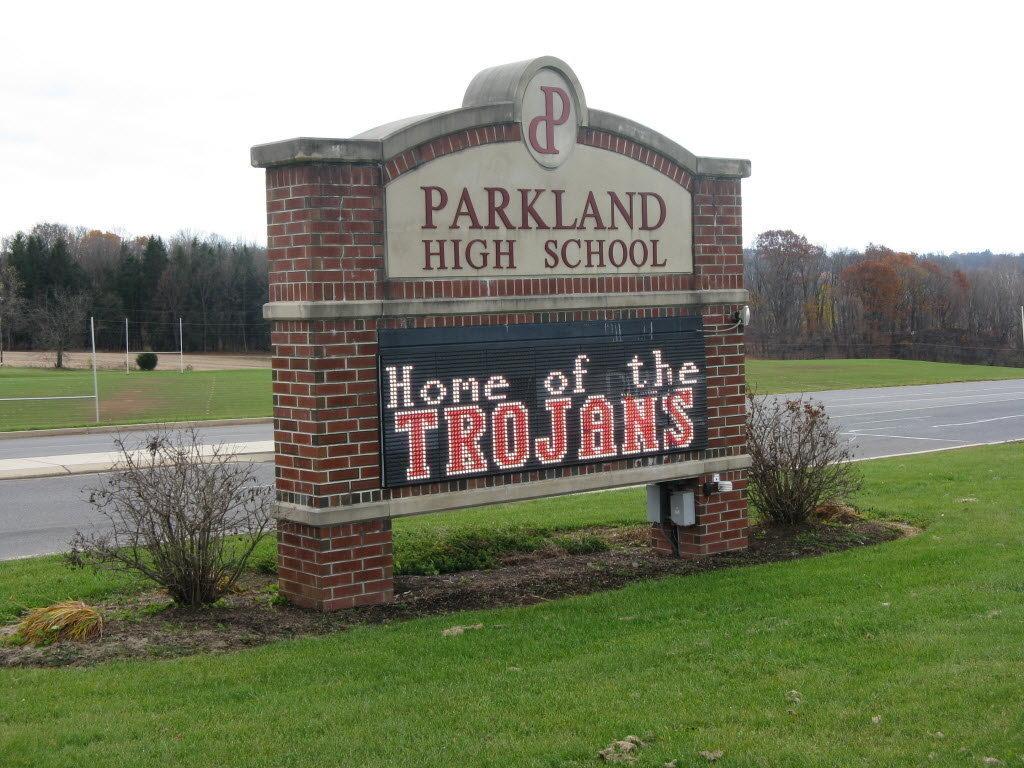 parkland-high-school-sign-b3158ae755847680